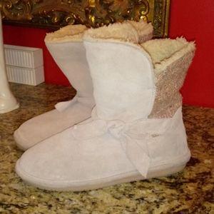 1119 BearPaw Geneva Suede Boots - AS IS!